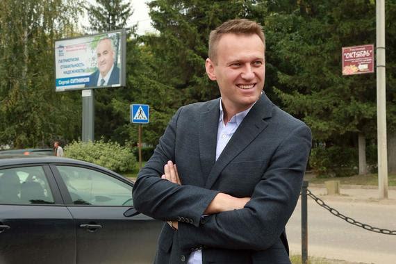 Костромская кампания изменит стратегию Демкоалиции на выборах в Госдуму, стратегия Кремля же будет заключаться в силовом прессинге и продаже истории «про поссорившихся демократов», полагает Навальный