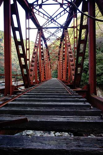 Waste iron bridge