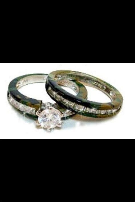 Country girl wedding!! Camo rings   Redneck wedding