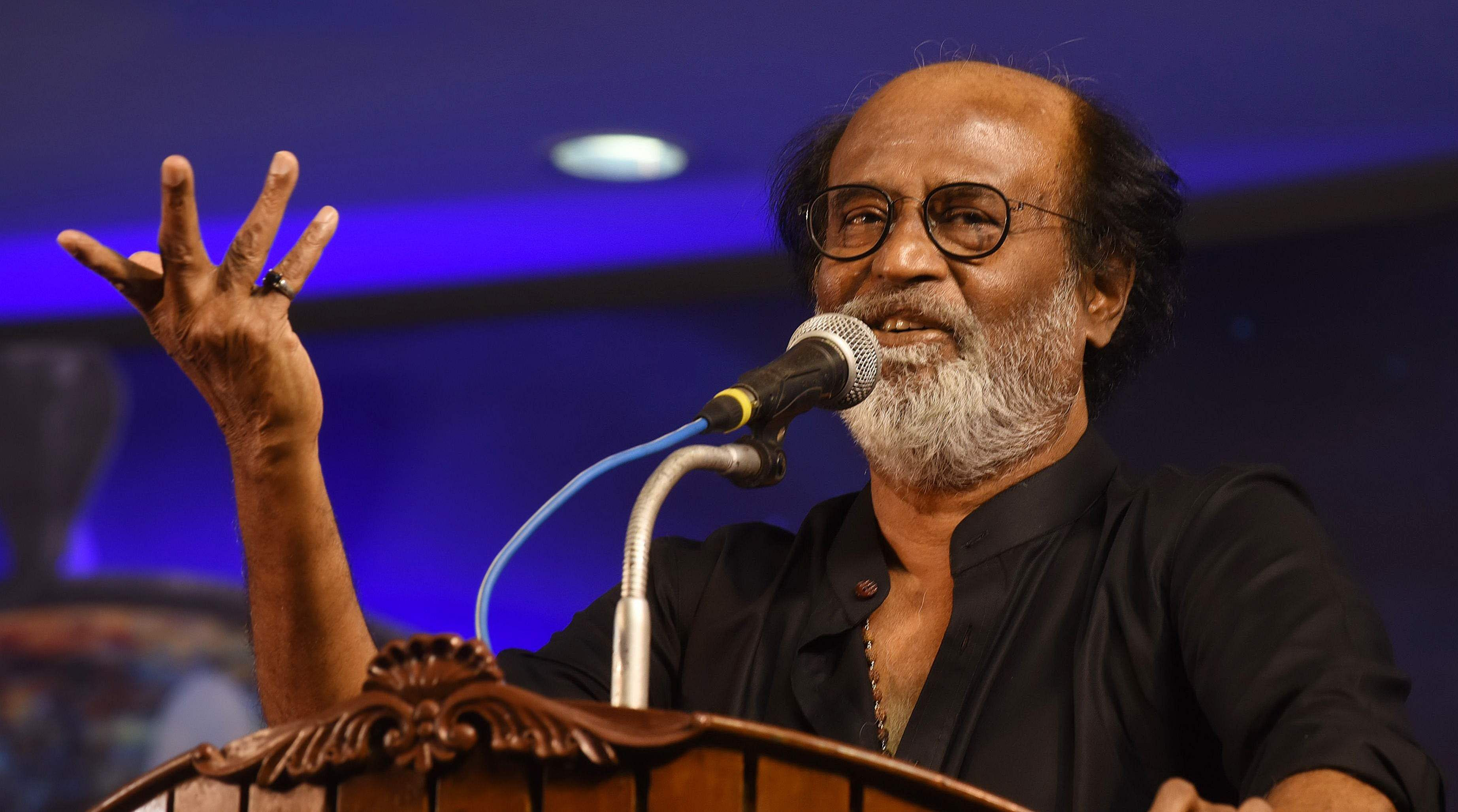 Political plunge: Rajini keeps the guessing game on The