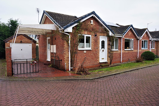 Property for sale on Breeze Mount Court, Doncaster