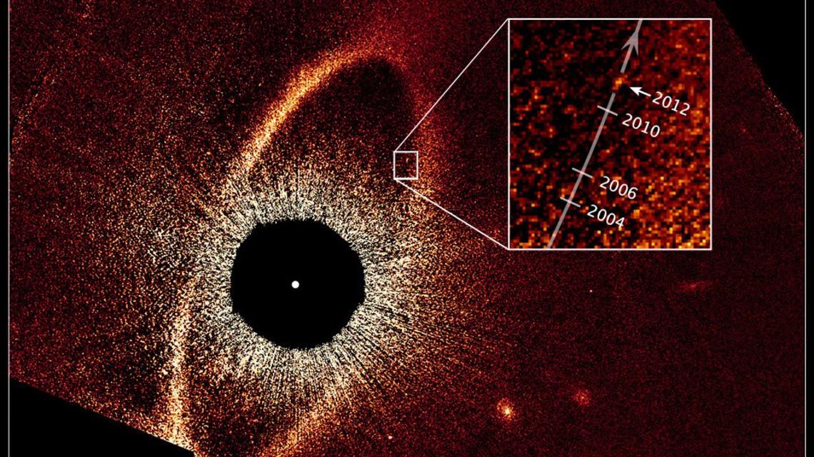 : NASA, ESA, e P. Kalas
