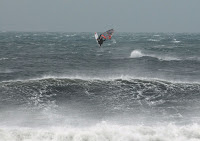Flying Quatro Airlines at Hatteras Inlet during H Noel - photo: Pam Bailey