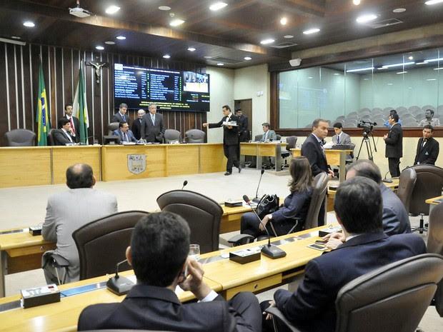 Projeto de lei foi aprovado pela AL em sessão nesta quarta-feira (24) (Foto: Eduardo Maia)