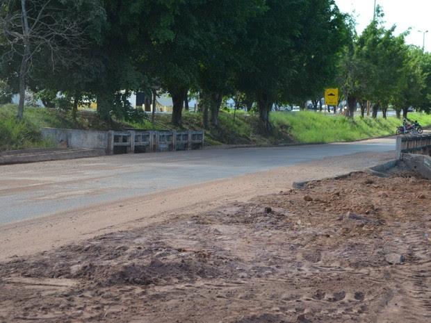Ponte inteditada em Cacoal e liberada (Foto: Rogério Aderbal/G1)
