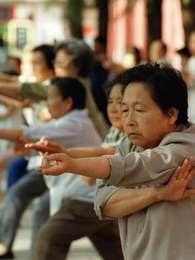 Segundo pesquisa, as mulheres lideram os casos de demência e Alzheimer na China Foto: Getty Images