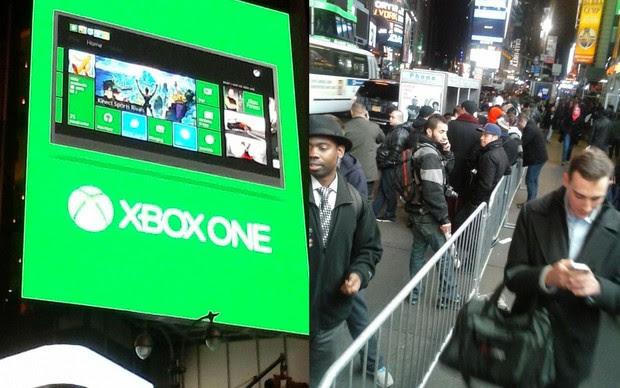 Times Square se tornou um pavilhão verde para o lançamento do XOne (Foto: Marcelo Mendes/ TechTudo)