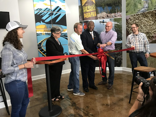 Deschutes Tasting Room Opens - Roanoke Regional Partnership