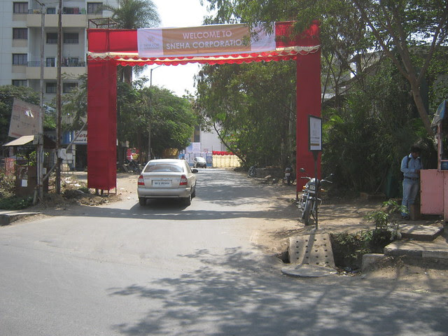 Approach road from the service road of Mumbai Bangalore Bypass - Service road & Warje Flyover - Sneha Paradise, 1 BHK & 2 BHK Flats near Warje Police Station, Warje, Pune 411 052