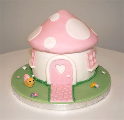 Girly Pink Toadstool Cake   The Cakery Leamington Spa