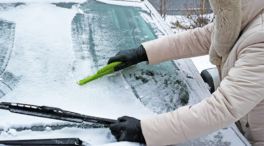 Safely Remove Snow and Ice from your Windscreen and Car | My Windscreen London