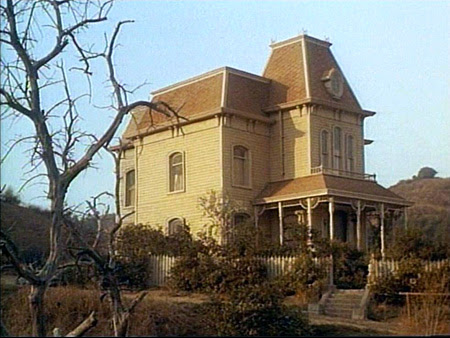 Psycho House in Laredo (1965-66)