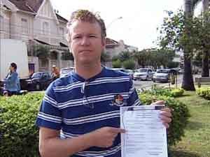 Fabrício pede para ter nome do pai na certidão de nascimento (Foto: Reprodução/ TV Integração)