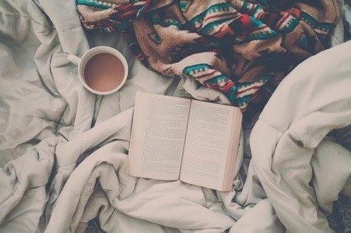 Résultats de recherche d'images pour «winter reading tumblr»