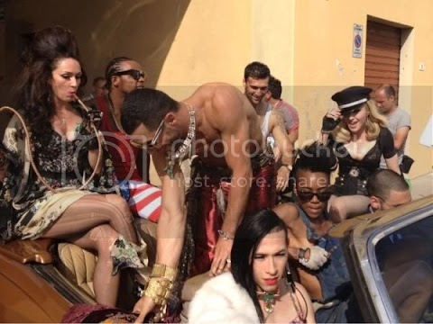 madonna sul set di turn up the radio in toscana: foto