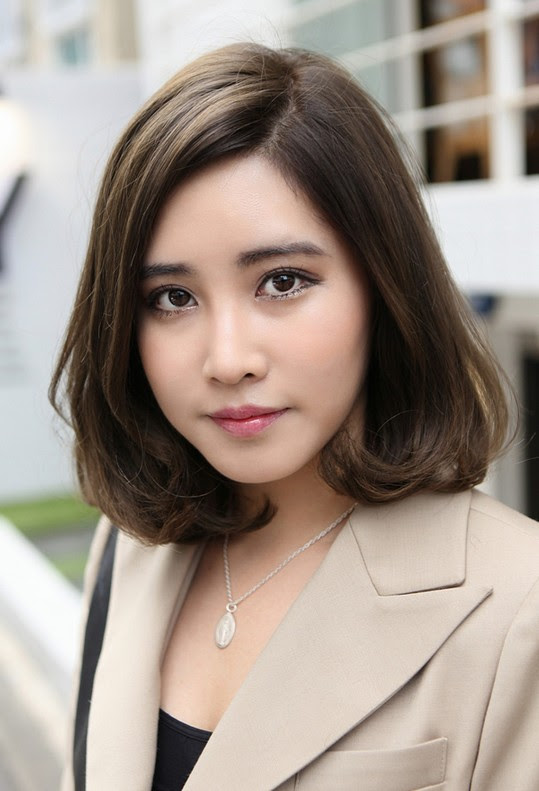 Potongan Rambut Pendek Wanita Untuk Muka Bulat