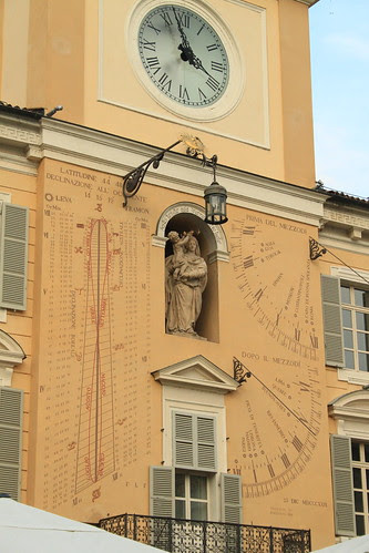 Orologio solare e meridiane