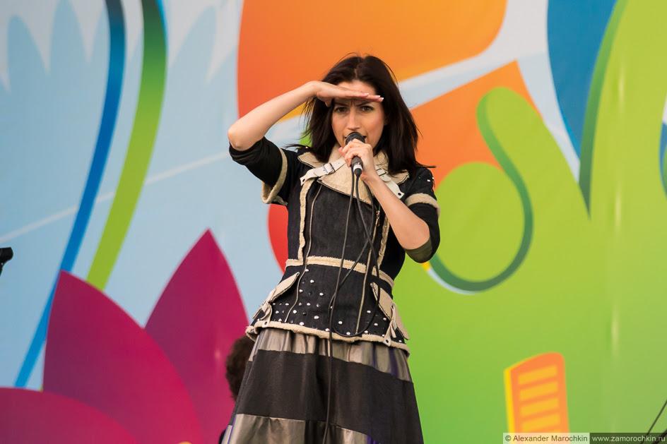 Диляра Вагапова на сцене фестиваля FIFA Fan Fest в Саранске