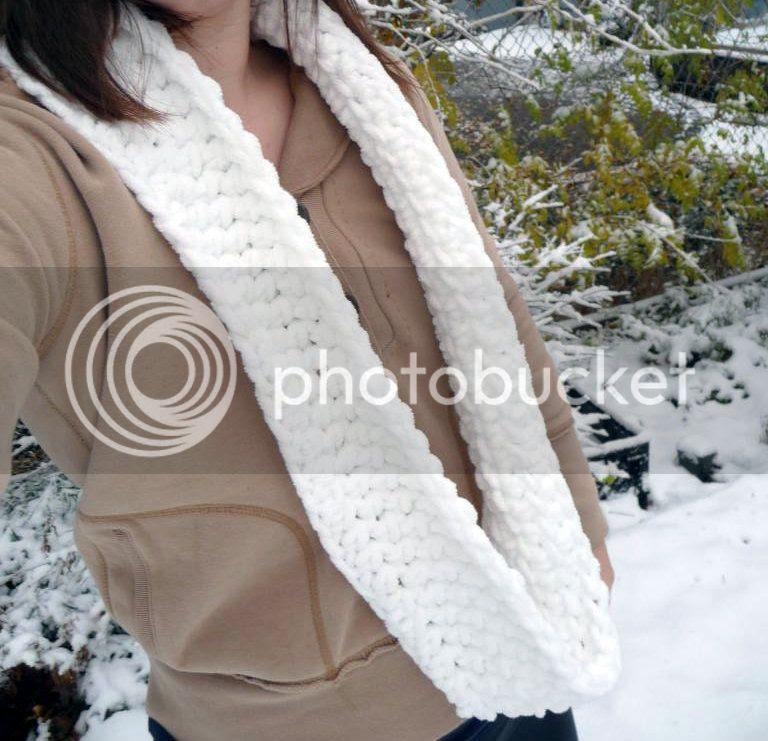 chunky crochet circle scarf