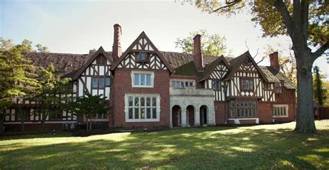 Pinecroft Mansion in Cincinnati, Ohio. i want to shoot a
