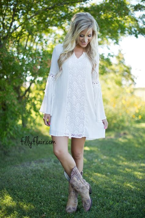 The perfect dress to wear with cowboy boots!   Summer