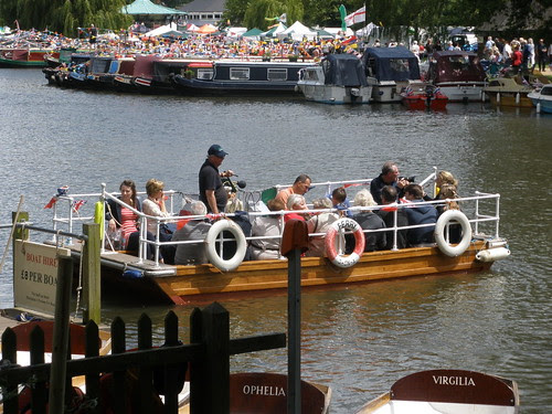 River ferry, Stratford-Upon-Avon River Festival