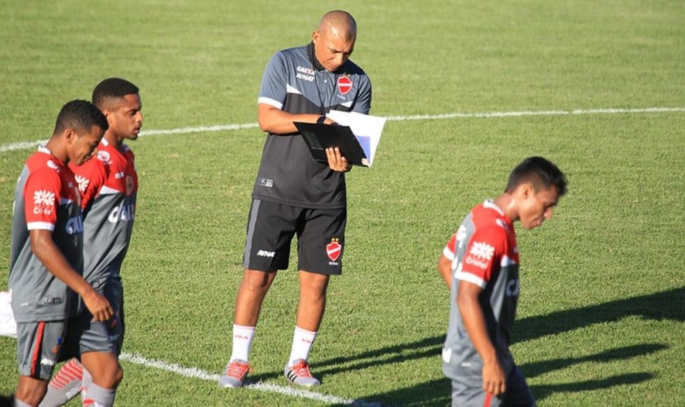 Hemerson Maria assume o Vila Nova no Campeonato Brasileiro (Foto: Cláudio Reis / O Popular)
