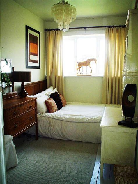 efficient  attractive small bedroom designs page