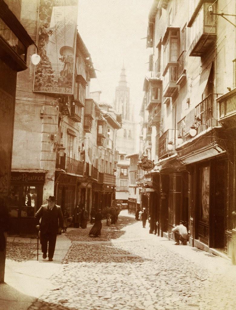Calle del Comercio hacia 1905. Fotógrafo desconocido. © Album / adoc-photos / Photographe amateur