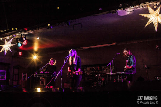 Live Review: Lyla Foy - Festive Special, Tooting Tram & Social