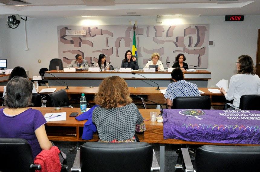 Audiência da comissão em novembro, quando foi discutida a violência contra a mulher em universidades do país - Foto: Waldemir Barreto/Agência Senado