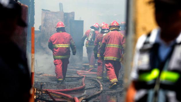 Perú, bomberos, materiales peligrosos