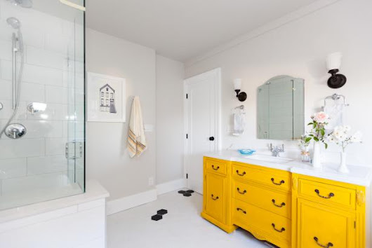 10 Yellow Bathroom Ideas