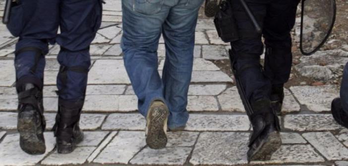Αγρίνιο – Αμφιλοχία: Συλλήψεις για ναρκωτικά, οδήγηση υπό την επήρεια μέθης και απόδραση από ίδρυμα αγωγής αρρένων