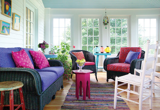 Using Primary Colors to Decorate Cottages