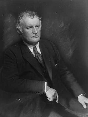 Ficheiro: Edvard Munch 1921.jpg