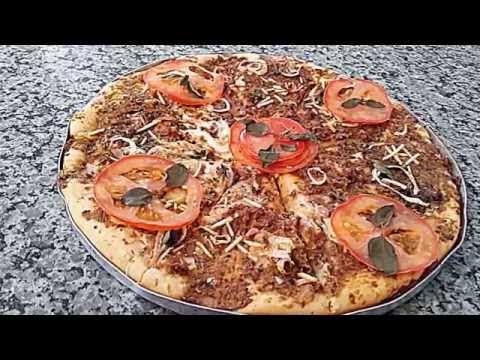 receita 2 em 1 ...massa de pão de sal e pizza caseira...