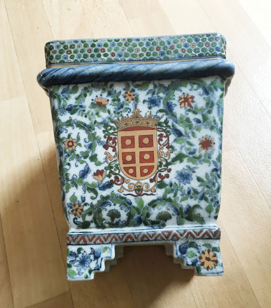 Antique in a Minute: Chinese Porcelain Planter