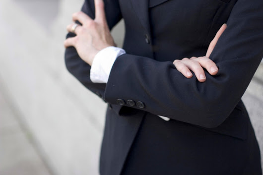 Accountants want to keep dress codes, according to research