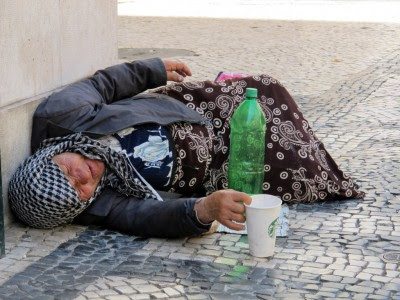 Economia portuguesa cai, pobreza aumenta – Foto de Paulete Matos