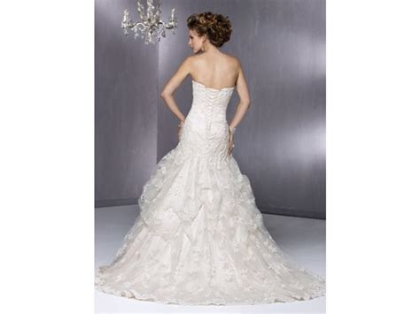 Maggie Sottero $710 Size: 6   Used Wedding Dresses