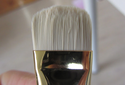 Tom Ford Shade and Illuminate Brush