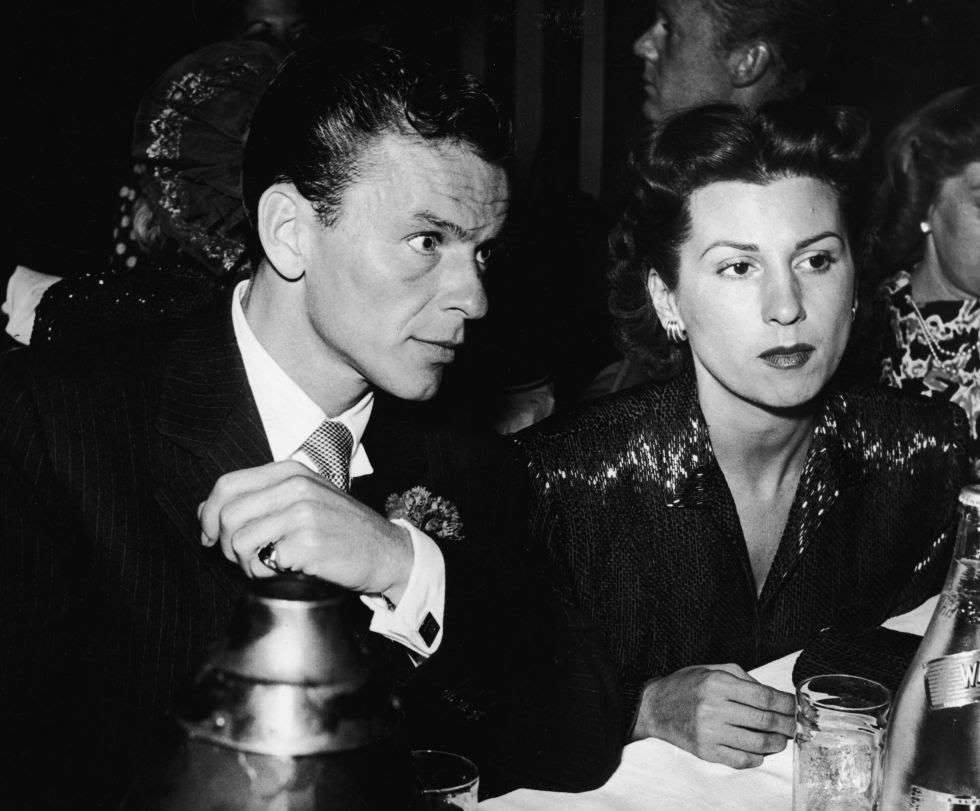 Frank Sinatra y su primera esposa, Nancy Barbato. (Foto: Getty Images)