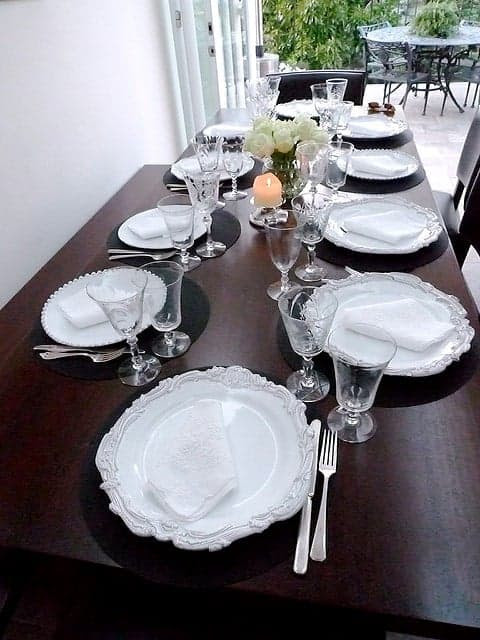 Everything You Need to Throw a Dinner Party at the Last Minute - Simplify Create Inspire