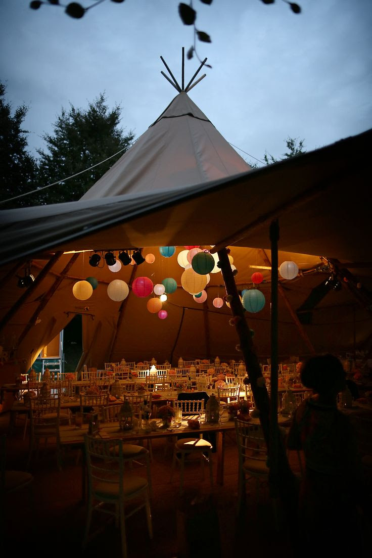 www.stunningtents.co.uk / wedding / tipi Stunning Tents