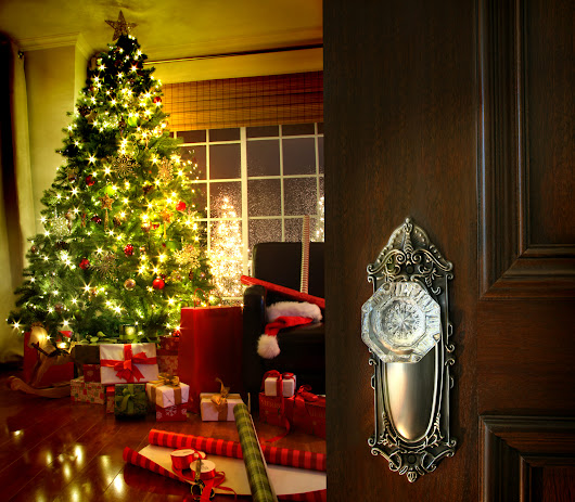 15 Tips to Keep Your Home Safe When Traveling Over the Holiday Season - Modernize