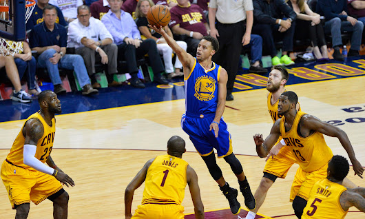 Warriors run away from Cavaliers to even NBA finals at two games apiece | Sport | The Guardian