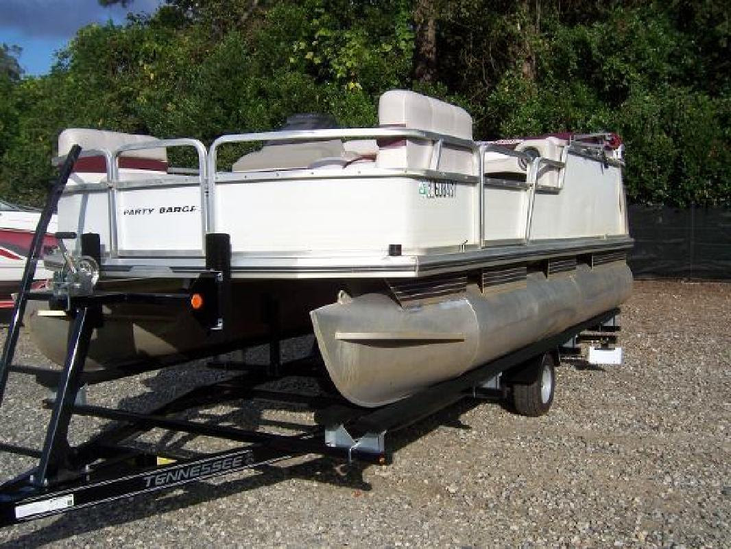 1999 Sun Tracker Party Barge 18 Signatureseries Albany Ga