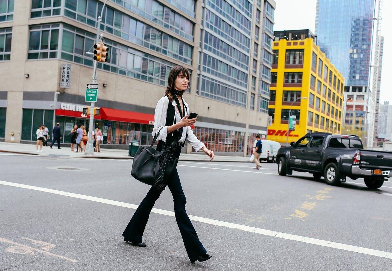 http://media.vogue.com/r/h_1600,w_1240/2015/09/11/NYFW-STREET-DAY1-018.jpg