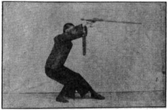 《昆吾劍譜》 李凌霄 (1935) - posture 45